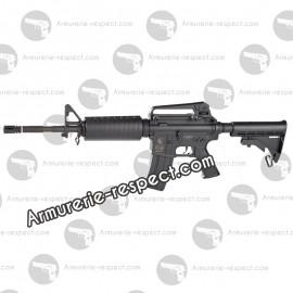 Colt M4A1 réplique électrique avec 2 chargeurs de 300 billes